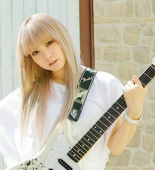 SCANDAL Awanai Tsumori No,Genki dene Promotion Photo Mami Sasazaki