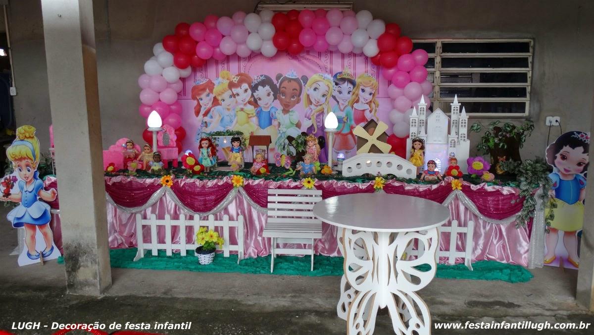 mesa temática decorada com o tema Princesas Baby Disney para festa de aniversário de 1 ou 2 aninhos de meninas