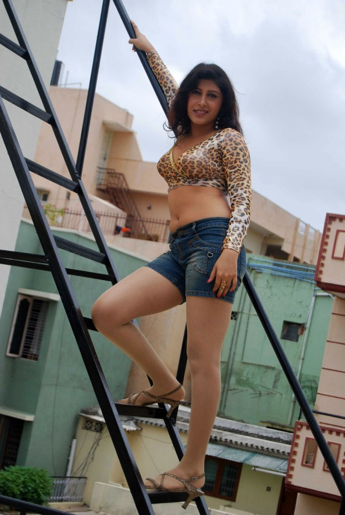 hot topless kannada actress gallery