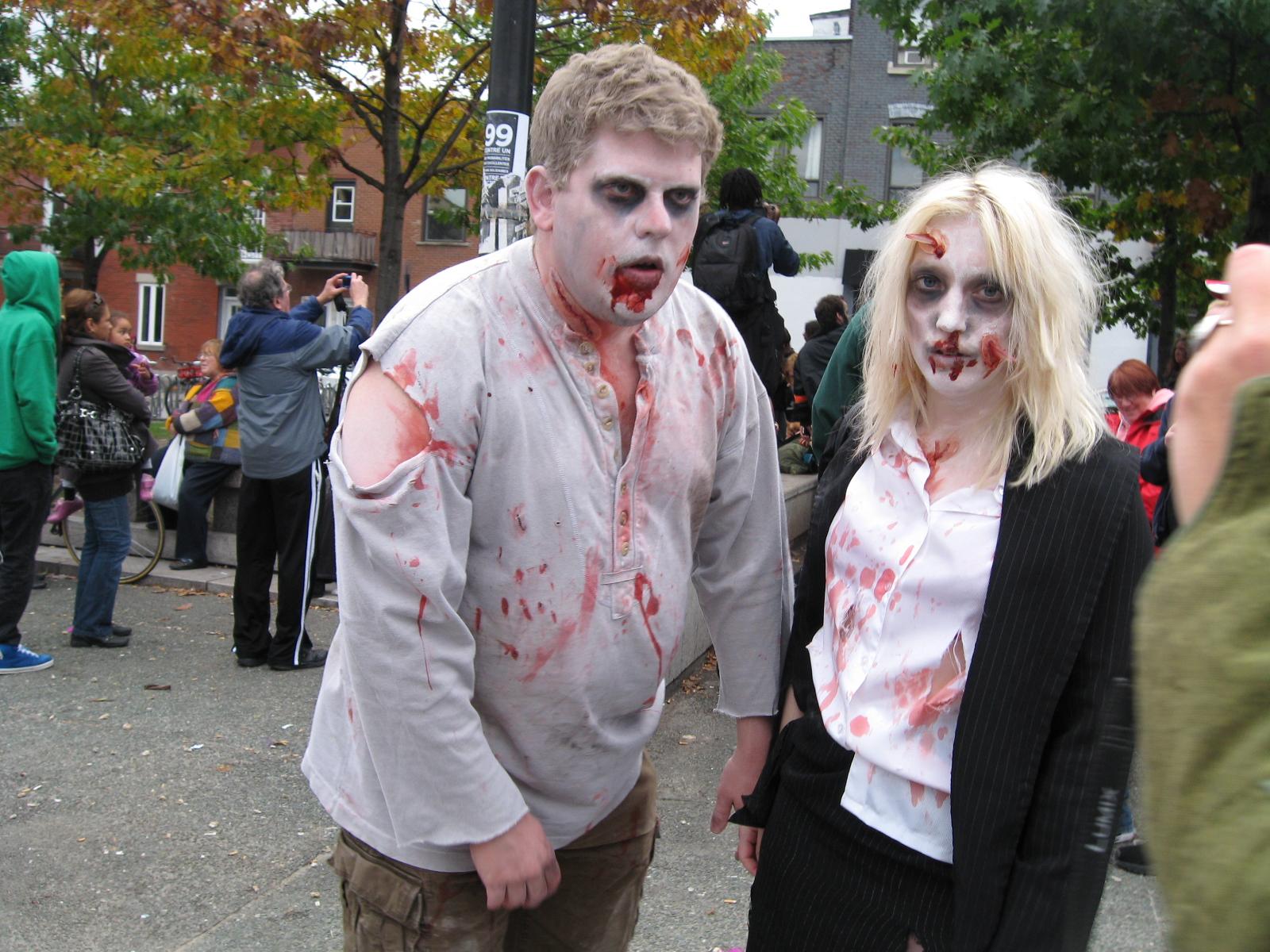 Costume Zombie Femme Fait Maison