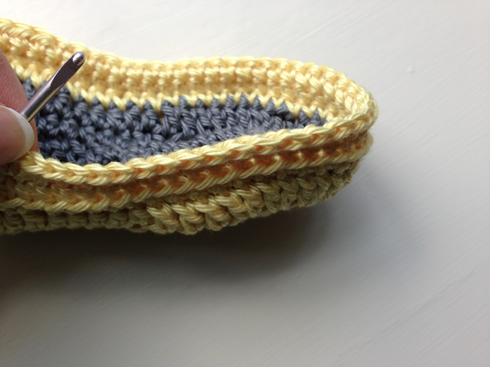 Annoo\'s Crochet World: Baby Loafers Free Pattern