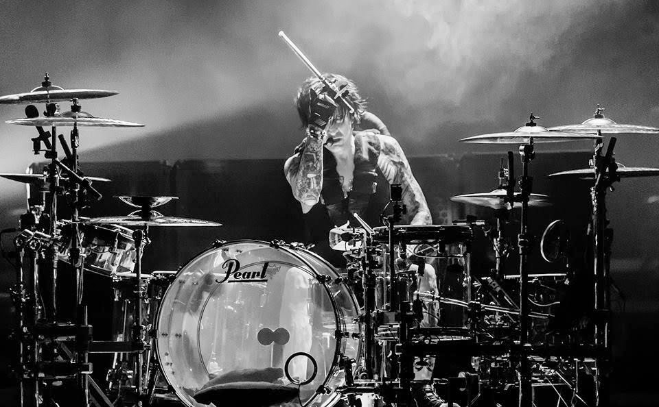 tommy lee - drum solo video storia