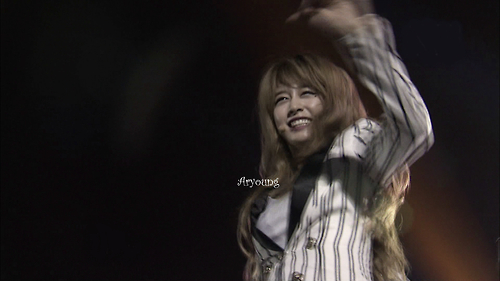 PARK JIYEON ACTION STAGE GIFs and Photo