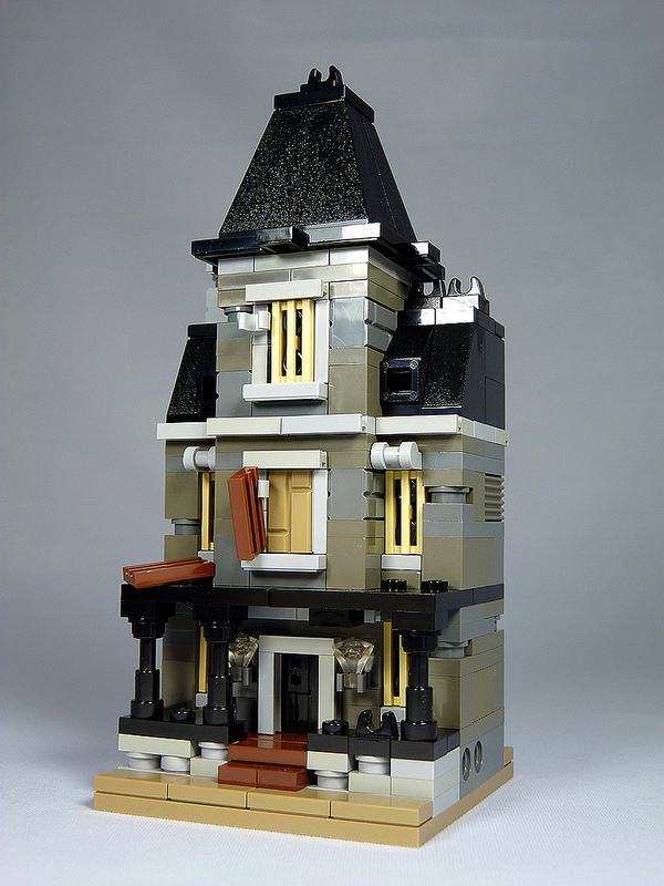 My favourite mini lego monster modular for Mini mansions houses