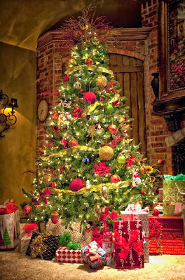 Christmas Tree Decorating Ideas for living rooms