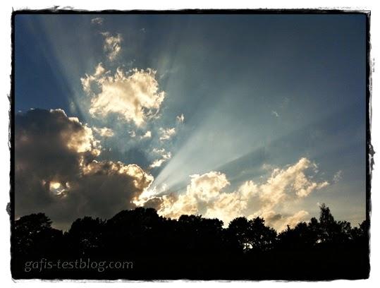 Sonnenuntergang mit Lichtspektakel