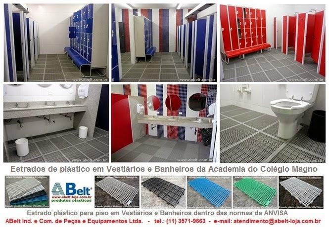 Estrado plástico para banheiro e vestiário do Colégio Magno