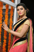 Harini at Valayam movie launch-thumbnail-9