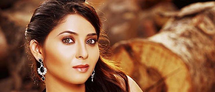 Sonalee Kulkarni - Marathi actress -14 Pics ~ Ritewall LoLz