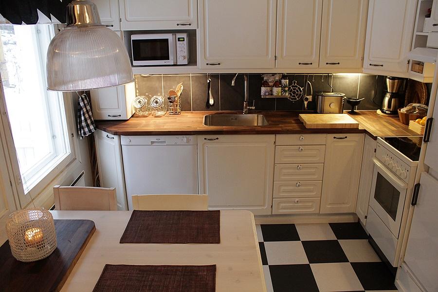 uutta vanhaa lainattua string hylly. Black Bedroom Furniture Sets. Home Design Ideas