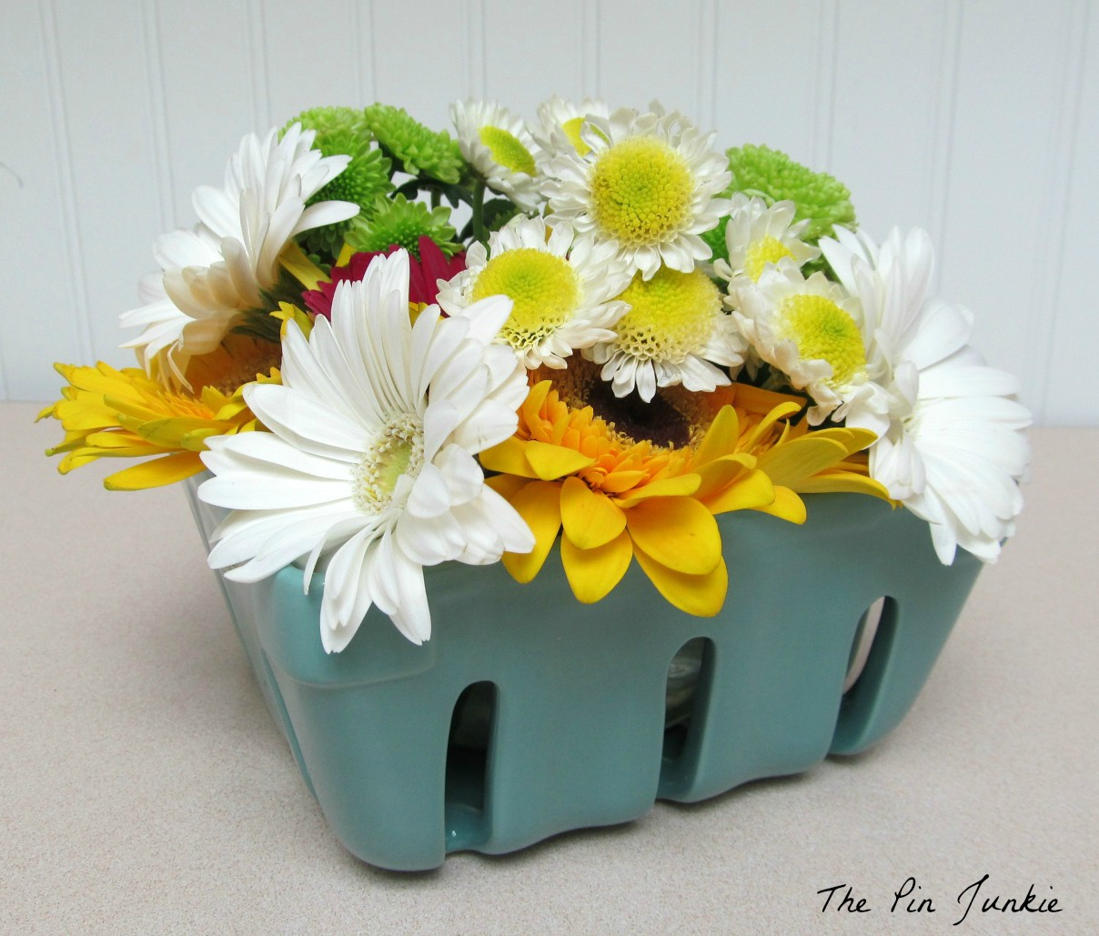 Chic on a Shoestring Decorating Decorate for Spring with Flowers Guest Post