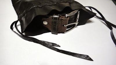 Подарок мужчине: мешочек для ремня - натуральная кожа, машинная вышивка
