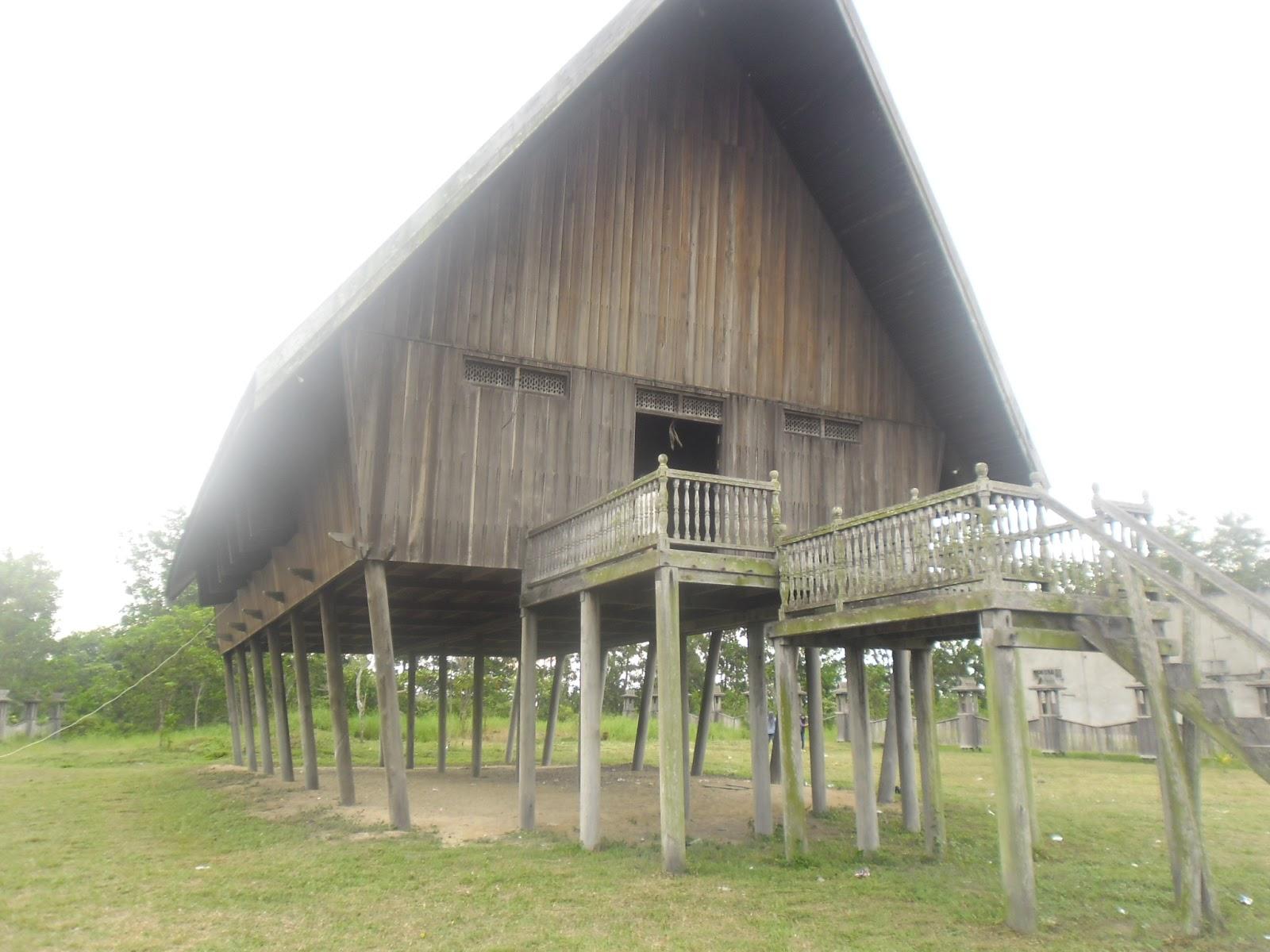 Sejarah Dan Budaya Adat Desa Dayak Pasir Panjang