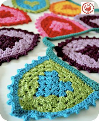 free crochet pattern granny heart bunting