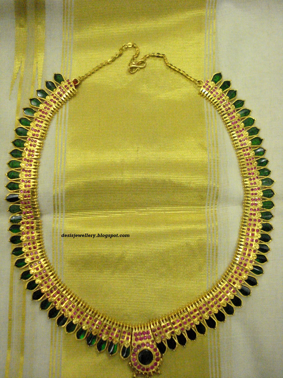 A Traditional Jewellery Design That Flaunts The Rich And