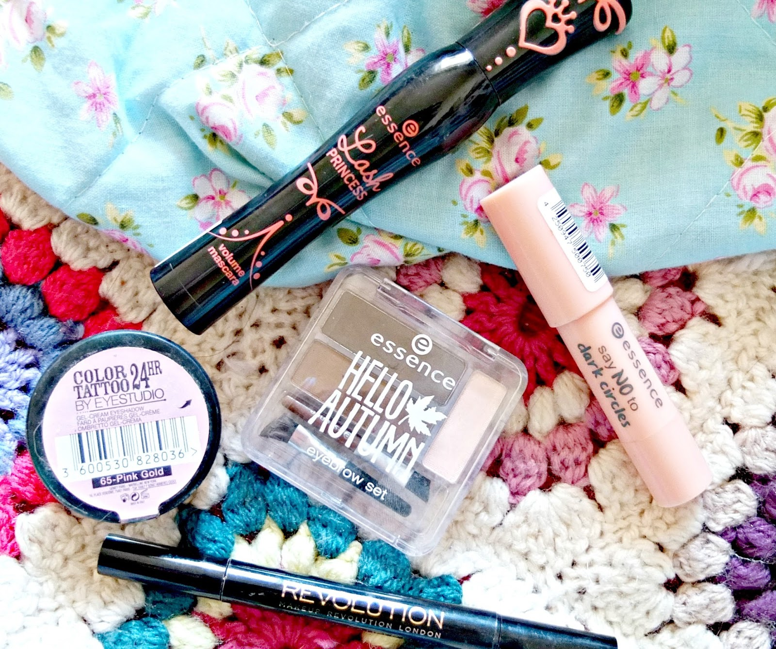Beauty tips for brightening eyes on British Beauty Blog