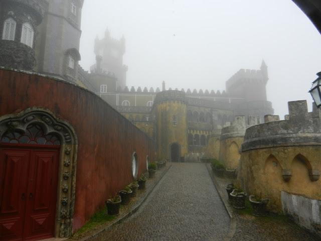 Погода в Синтре - туман