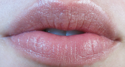 Review & Swatches: Lily Lolo Natural Lipstick in Love Affair