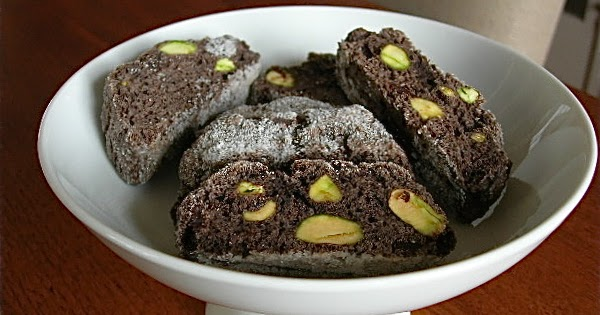 My Little Bungalow: Pistachio-Chocolate Biscotti