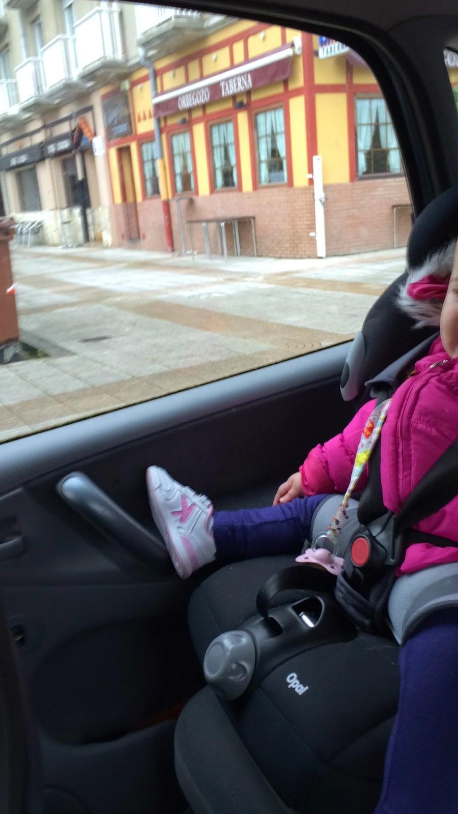 Mi hija tiene displasia de cadera silla de coche para for Sillas para auto ninos 9 anos