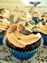 Peanut/Chocolate Cupcake