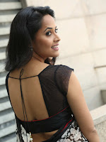 Actress Anasuya latest dazzling photos-cover-photo
