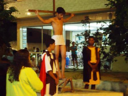 Moradores da COHAB Nova também vivenciaram a Paixão de Cristo
