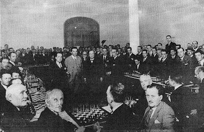 Sesión de simultáneas impartida por Richard Reti en 1927