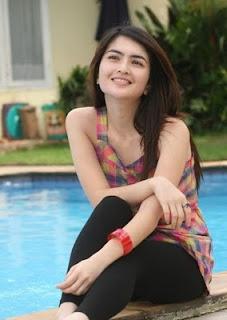 gambar foto seksi cantik artis indonesia ida ayu kadek devie