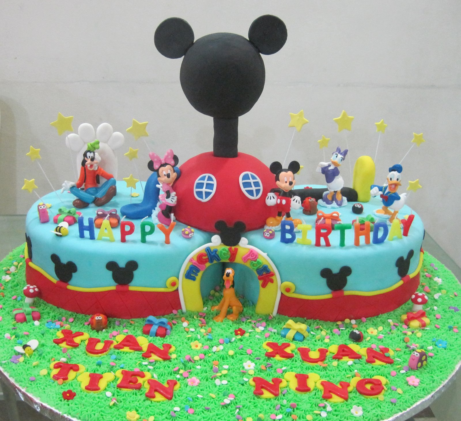 cupcake divinity mickey mouse clubhouse cake