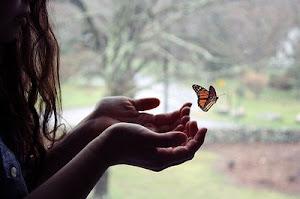 Los sueños son como las mariposas... dificiles de conseguir pero no imposibles.