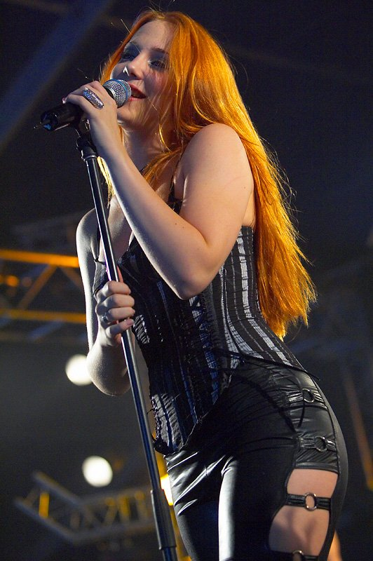 simone simons ladies sexy - photo #2