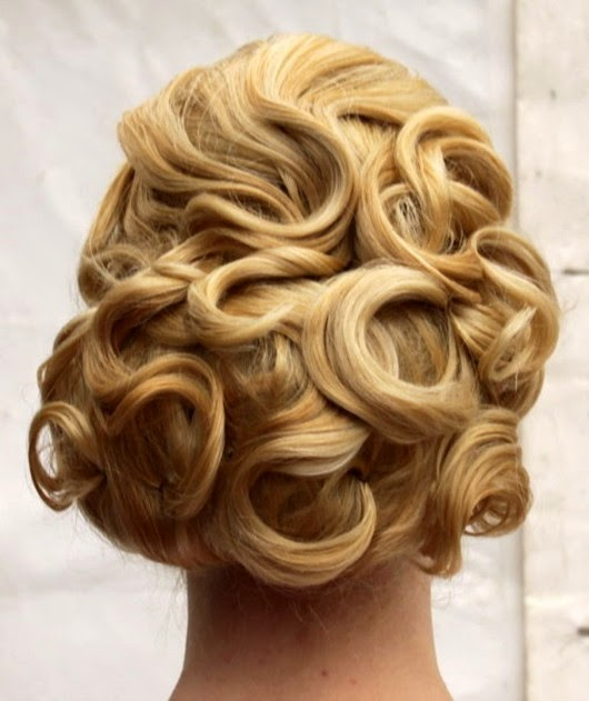 wedding hairstyles bouffant wirled curl hairdo