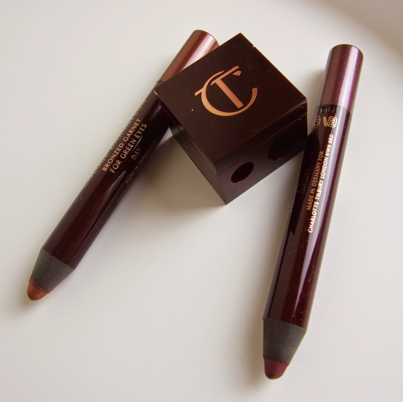 charlotte tilbury make-up colour chameleons bronzed garnet amethyst aphrodisiac swatches