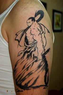 Tattoo de Samurai no braço