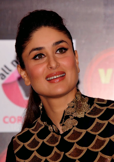 India, Bollywood, Actress, Kareena, Kapoor, Women, Safety, Mobile, Phone, App, Media,Technology, Mumbai, Showbiz, Right, Human, Torture, Promotion, Celebrities, Film, Movie,