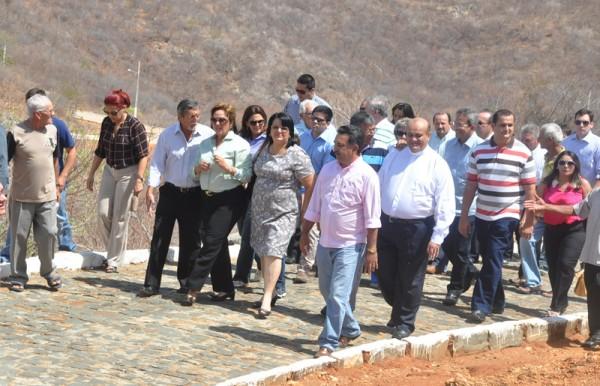 Luan bruno missa marca inaugura o da estrada que liga for Liga municipal marca