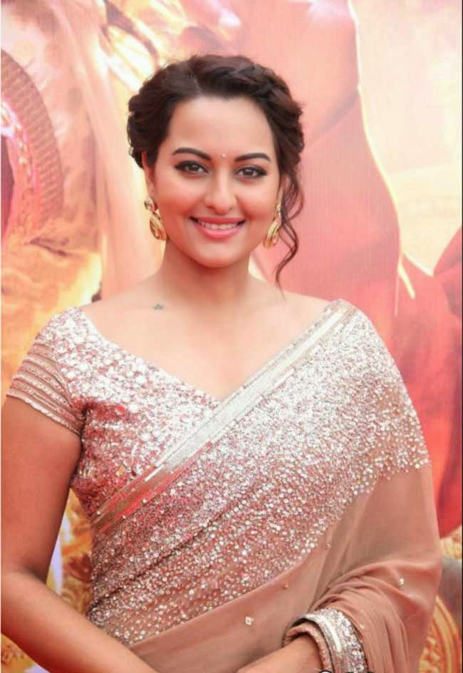 Sonakshi Sinha In Manish Malhotra Saree