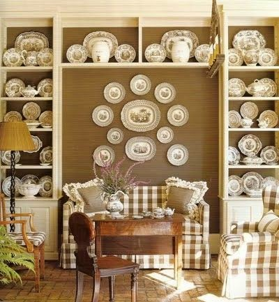 Charming-Decorative-Plates-in-the-House