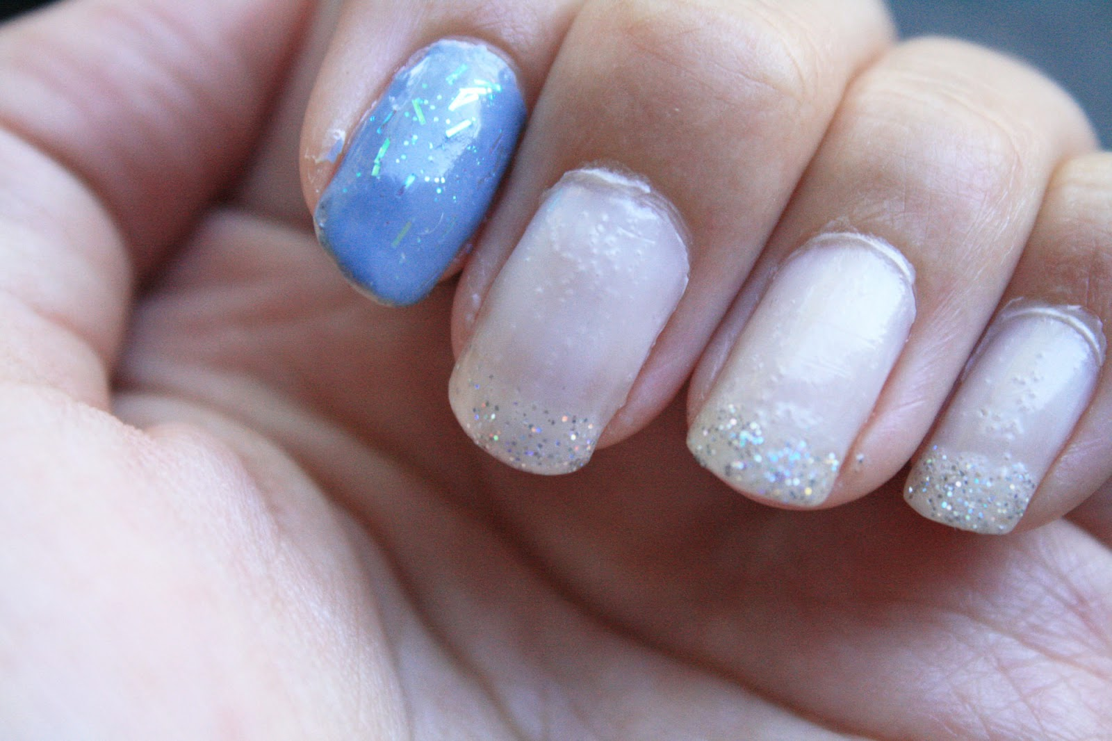 Belatedly Beautiful: Nails: Pastel sparkles
