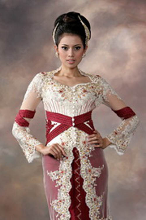 Fashion muslim world kebaya modern to traditional wedding dress