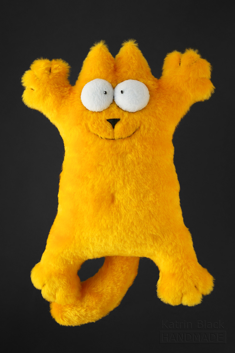 Кот Саймона из жёлтого меха. Купить.