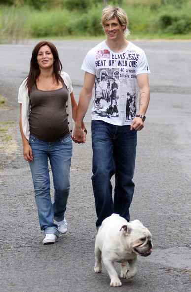 Fernando Torres With His Wife For 2011   All About Top Stars