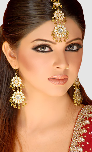 allenora makeup for barat Red lehnga