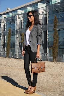 http://4.bp.blogspot.com/-BRdWqSSheFs/Txw-vCX2H7I/AAAAAAAACzo/JVzha3H4Ls4/s1600/ohmyblog+mode+blazer+working+girl+outfit+waxed+jeans+doctor+bag+11.JPG