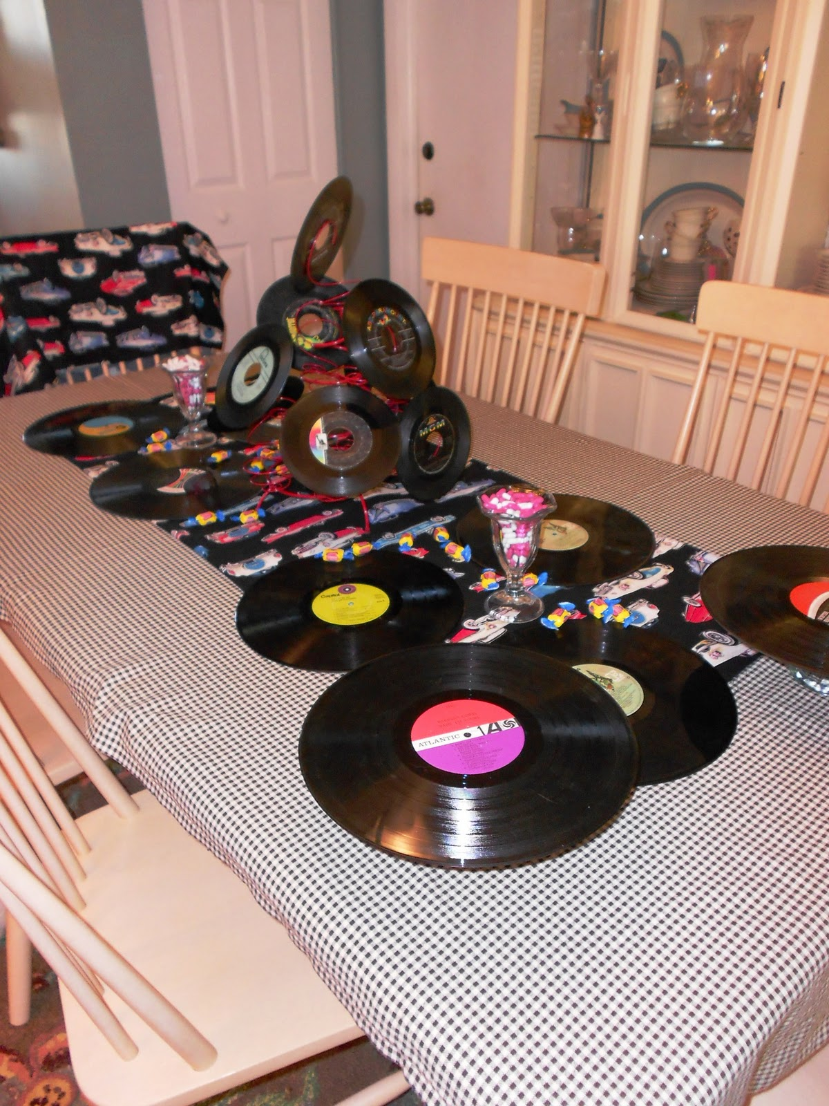 Artfully graced rocking in the new year for Record decoration ideas