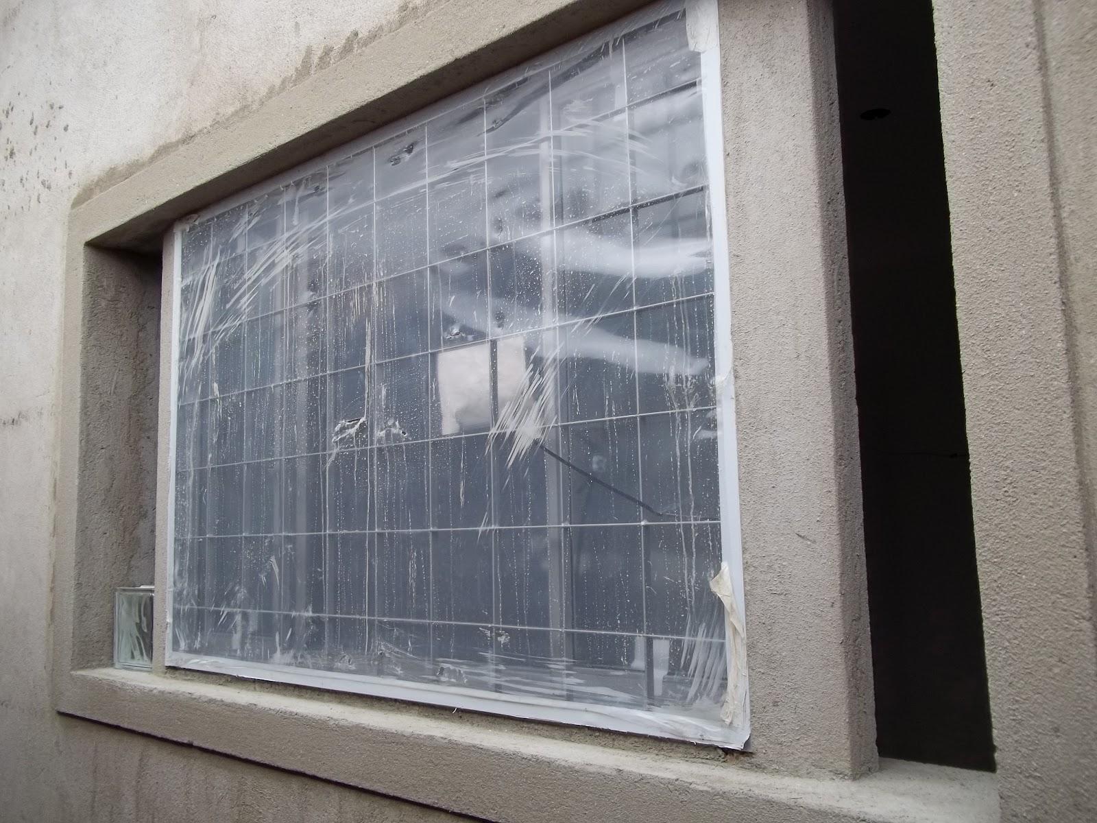#515966 Janela da cozinha. Faltam os blocos de vidro na lateral para dar o  240 Janelas De Vidro Para Terraço