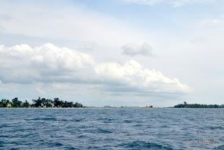 Jembatan Cinta antara Pulau Tidung dan Pulau Tidung Kecil