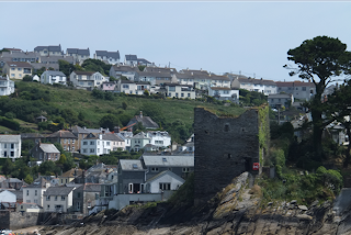 Fowey, Cornwall - Best quaint English seaside town - castle