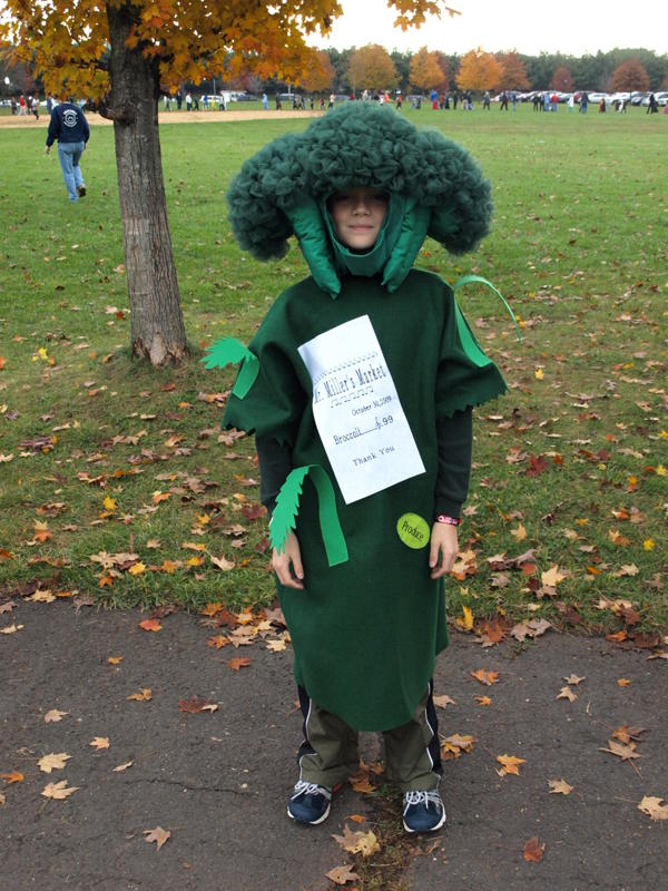 cotton kapers  broccoli costume